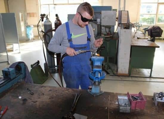 Fachpraktiker/in für Industriemechanik